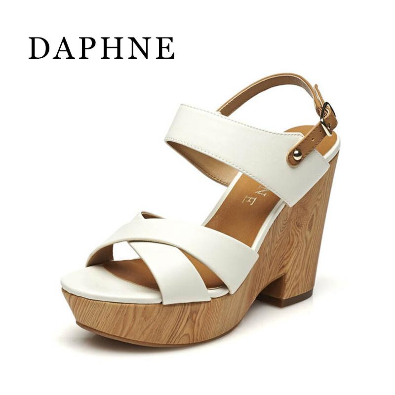 Daphne Perempuan Sandal Musim Panas Musim Panas Sandal Musim Panas Garis Kayu Tahan Udara Gesper Horizontal