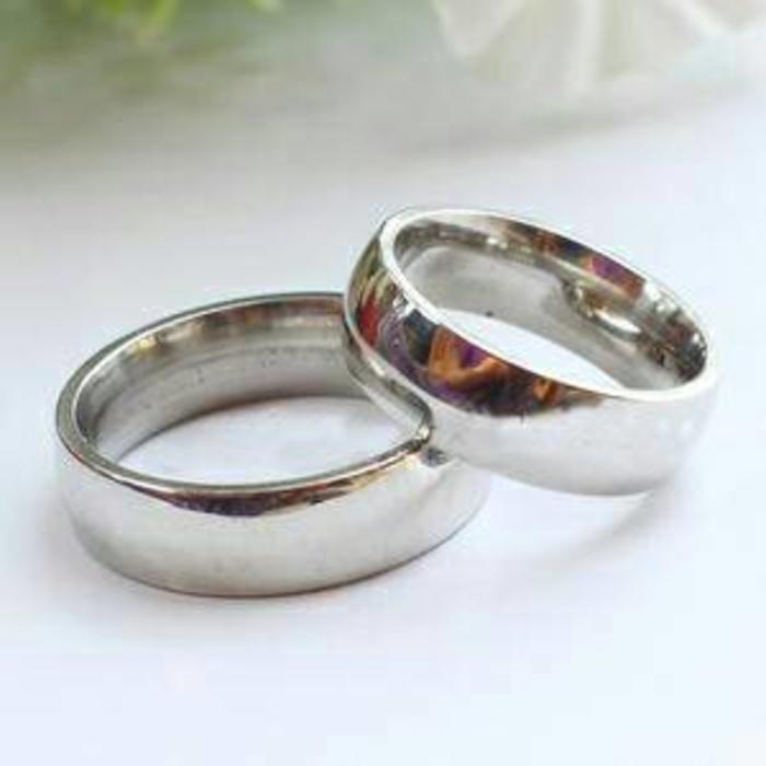 Cincin couple titanium Silver polos, FREE UKIR NAMA lohhh