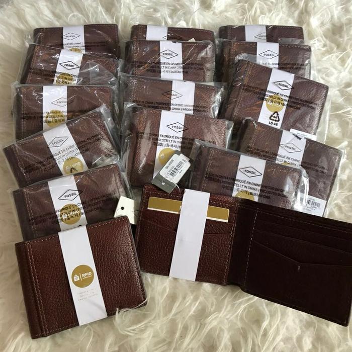 Fossil Tyler Brown Men Bifold Wallet. Dompet Pria Fossil Original