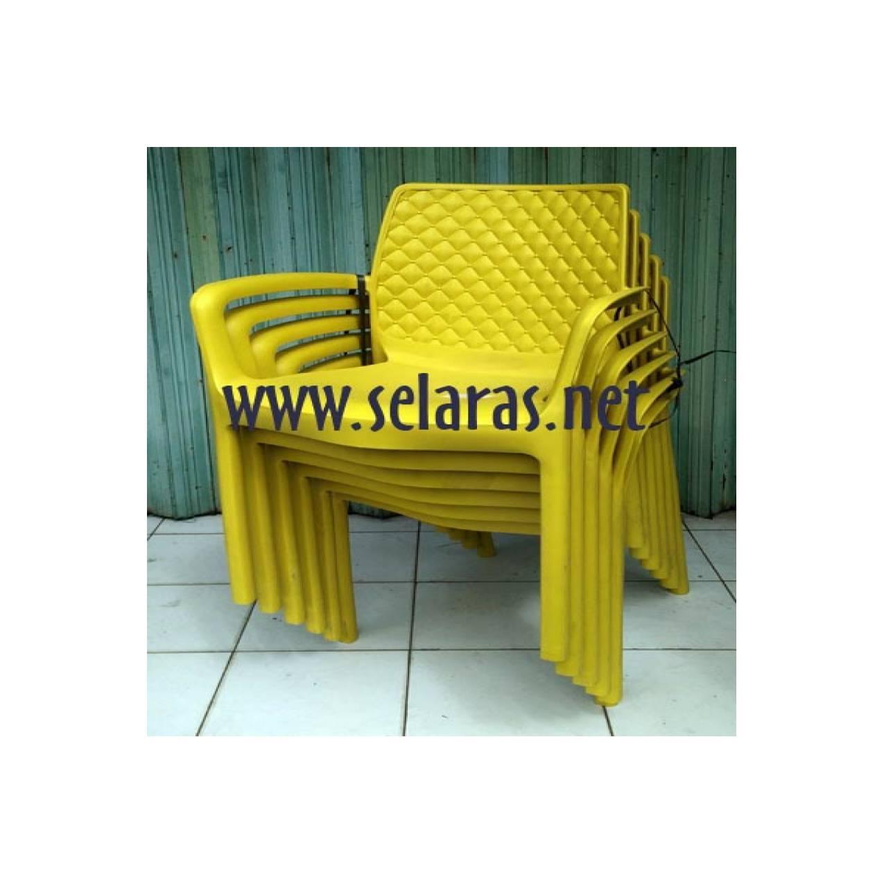 Kursi teras/ kursi taman/ kursi cafe plastik Olymplast 501s Kuning