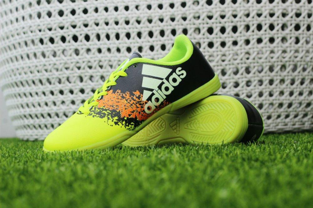 Promo sepatu futsal  pria/ competitor futsal .hypervenom.bola Diskon