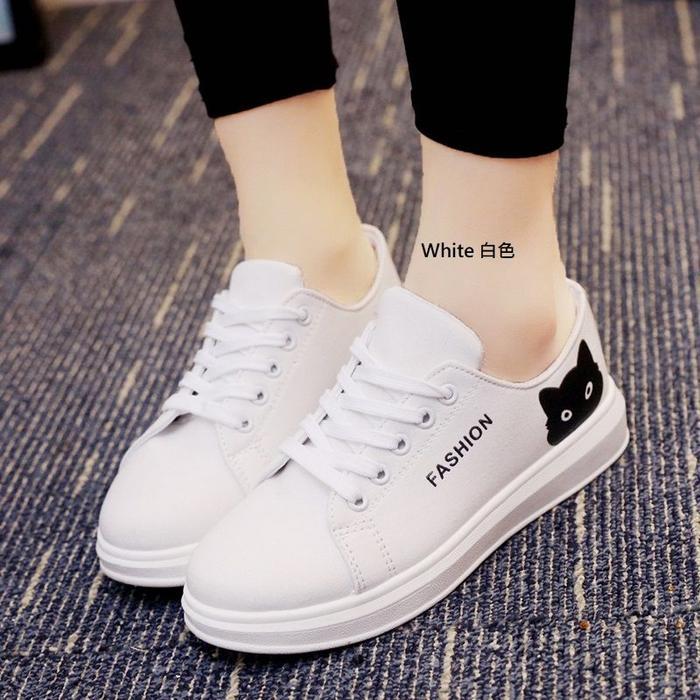 Sneakers / Sepatu Wanita Fashion Kucing Warna Putih