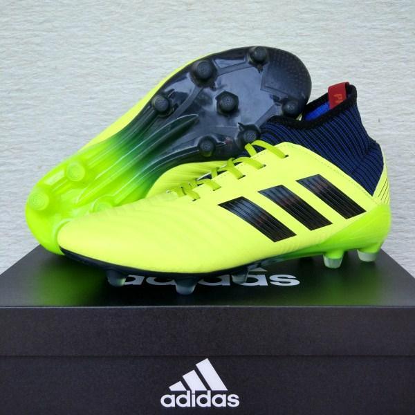 Sepatu Bola Adidas Predator 18.3 FG