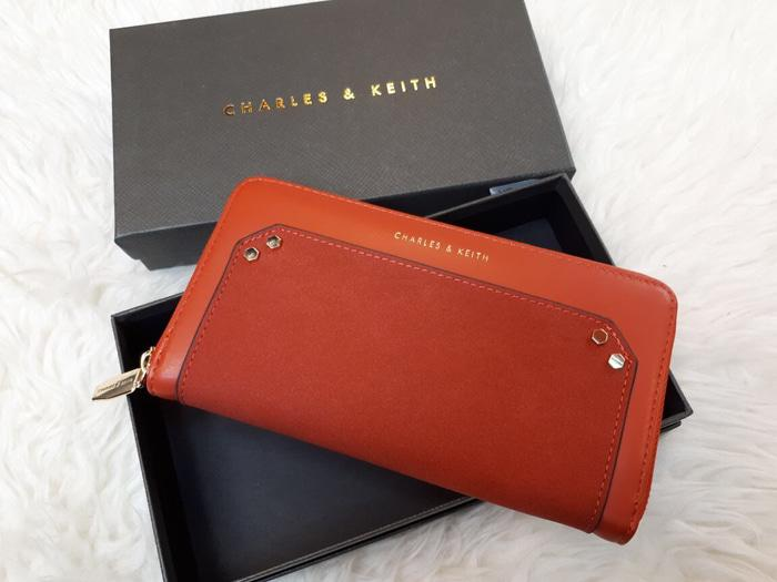 DOMPET WANITA IMPORT CHARLES AND KEITH INCLUBE BOX AND DUSBAG  - MYWLiC