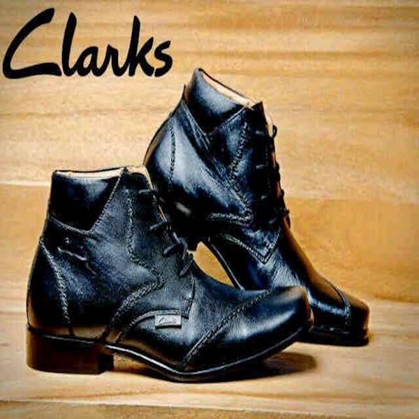 Clarks Sepatu Boot Pantopel Sepatu Casual Pria Sepatu Kerja Hitam Cokelat 49c0997332