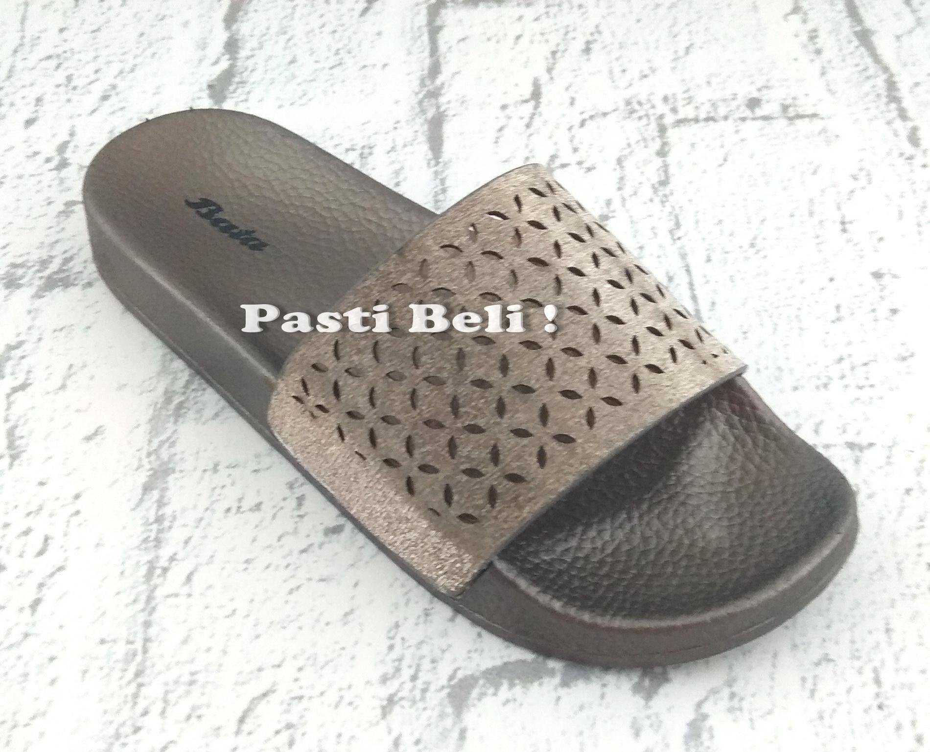 Bata Sandal Santai Wanita Rima (Silver / Gold)