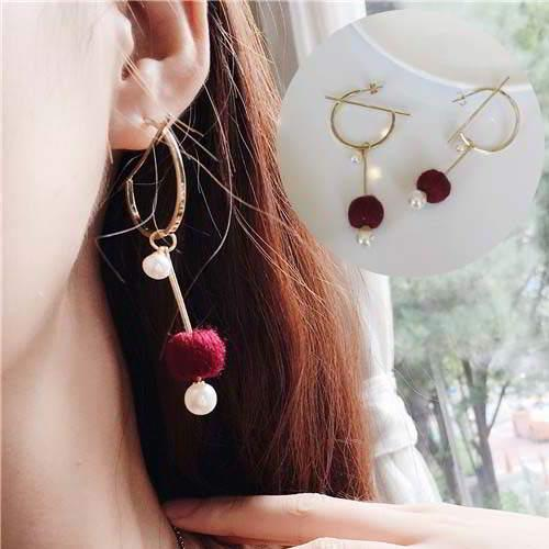 Anting  South n Pompom Pearl Round Earrings REA092