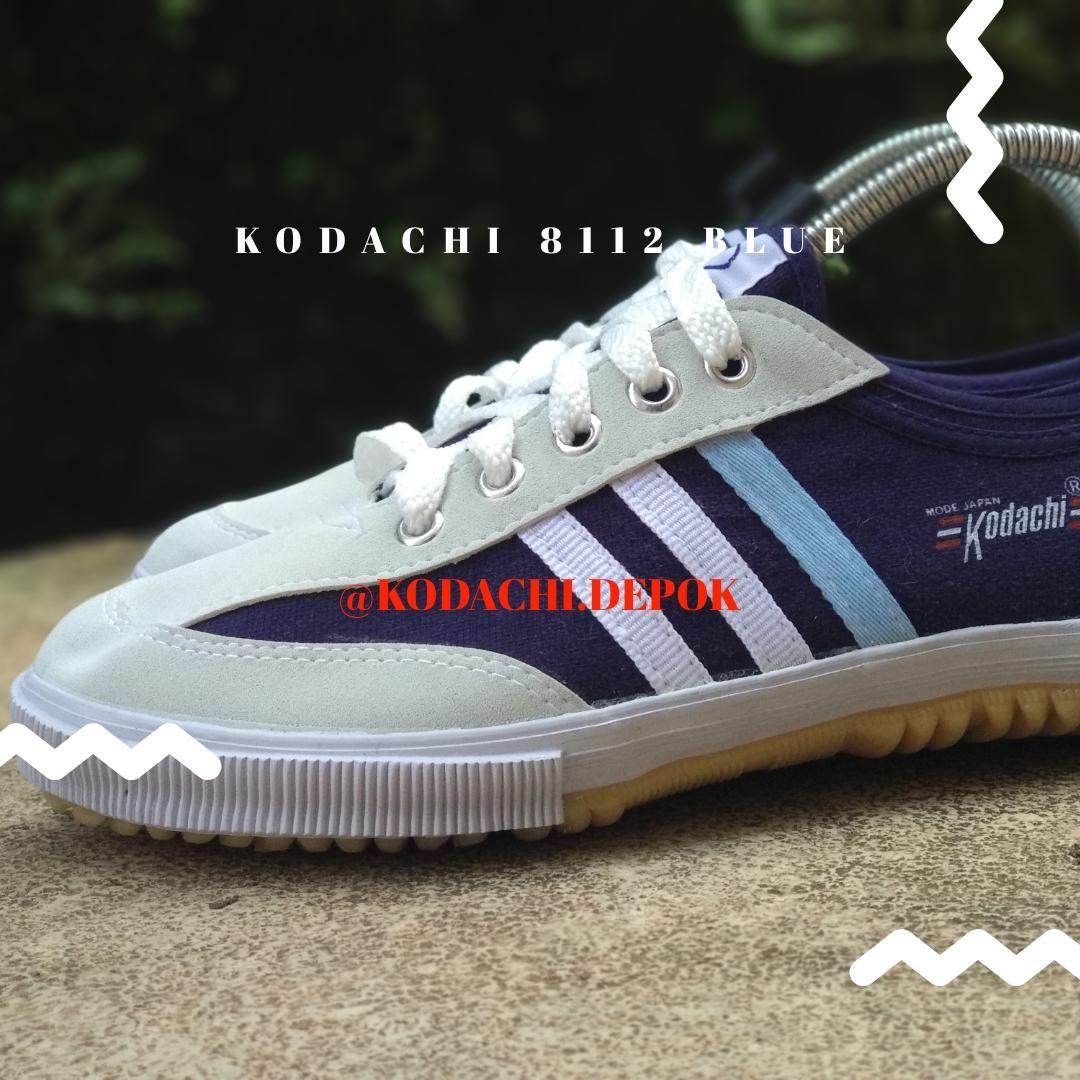 Fitur Sepatu Kodachi 8112 Olahraga Import Navy Garis Tiga Dan Sport Blue