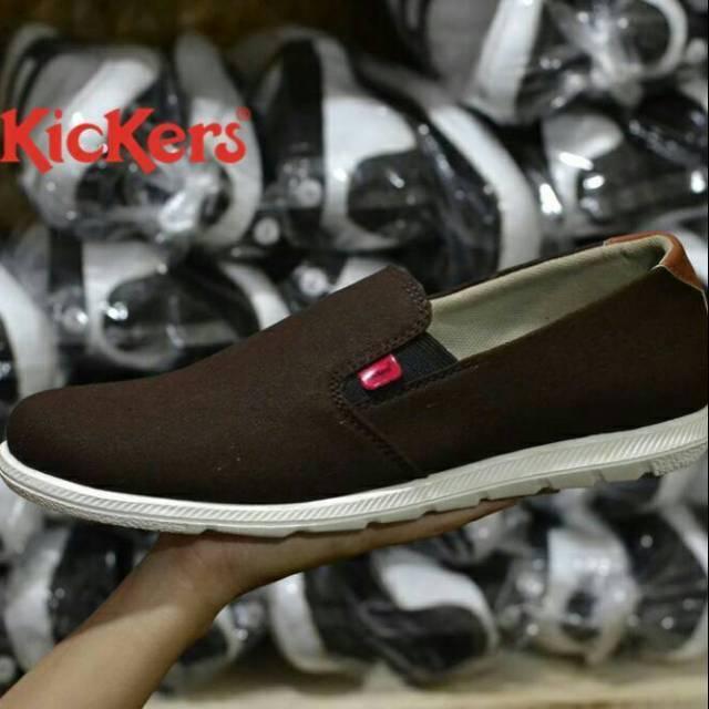 Sepatu Slop Kickers Bahan Kanvas Model Terbaru Nyaman Awet Kuat Sepatu Santai Slip On Loafers