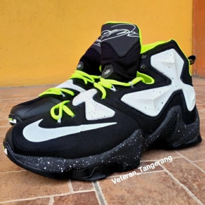 Sepatu Basket Nike James Lebron XIII 13 Black Fluorescent Green