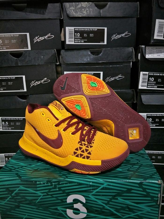 Sepatu Basket Nike Kyrie 3 Cavs Yellow Maroon