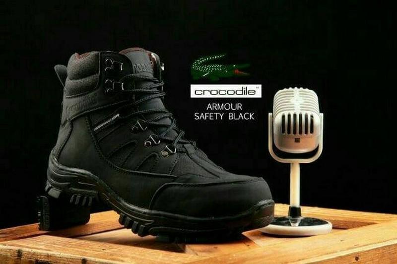 sepatu safety pria ujung besi kerja lapangan sepatu gunung sepatu touring motor resleting sepatu boots tali ukuran variatif warna hitam dan krem