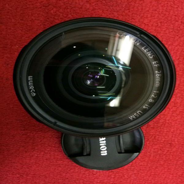 Lensa Canon Fix 28mm IS USM