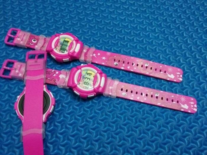 Jam tangan anak peremouan digitalC terlaris - fhasion jam tangan anak perempuan bets seller - jam tangan anak digital C original - jam tangan anak terbaik dan termura