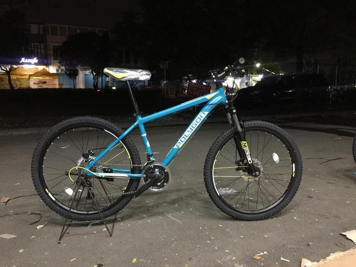 Sepeda Gunung MTB Polygon Monarch 4.00 - 6er8YR