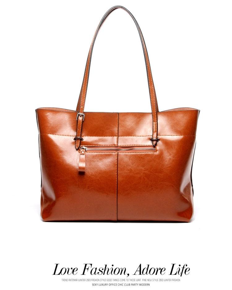 Luas dan fungsional tas tangan. Ini zip-top tote dilapisi dengan kain  poliester lembut dan memiliki dua besar kompartemen f7f6dd64c0
