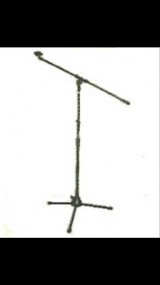 Stand mic lantai  Beyer mic 008