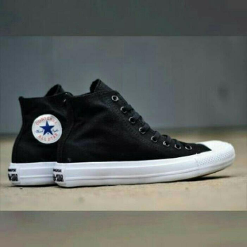 Promo Sepatu Converse All star chuck Taylor high hitam putih pria wanita  Fashion