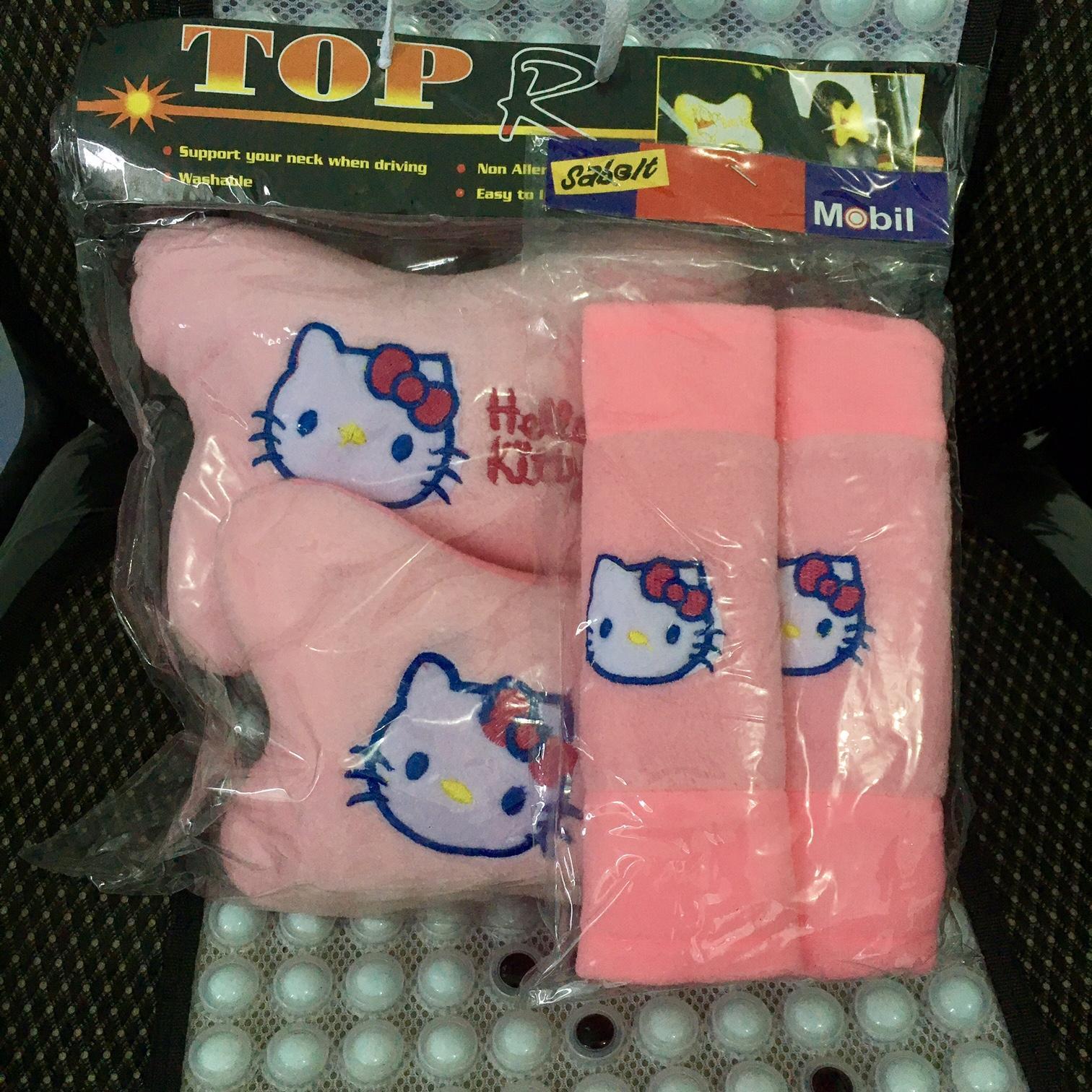 Bantal set 2in1 mobil murah motif hello kitty warna merah muda / Aksesoris interior bantal mobil 2 in 1 unik lucu model hellokitty warna soft pink / hellokitty stuff / sarung bantal lucu UNIVERSAL