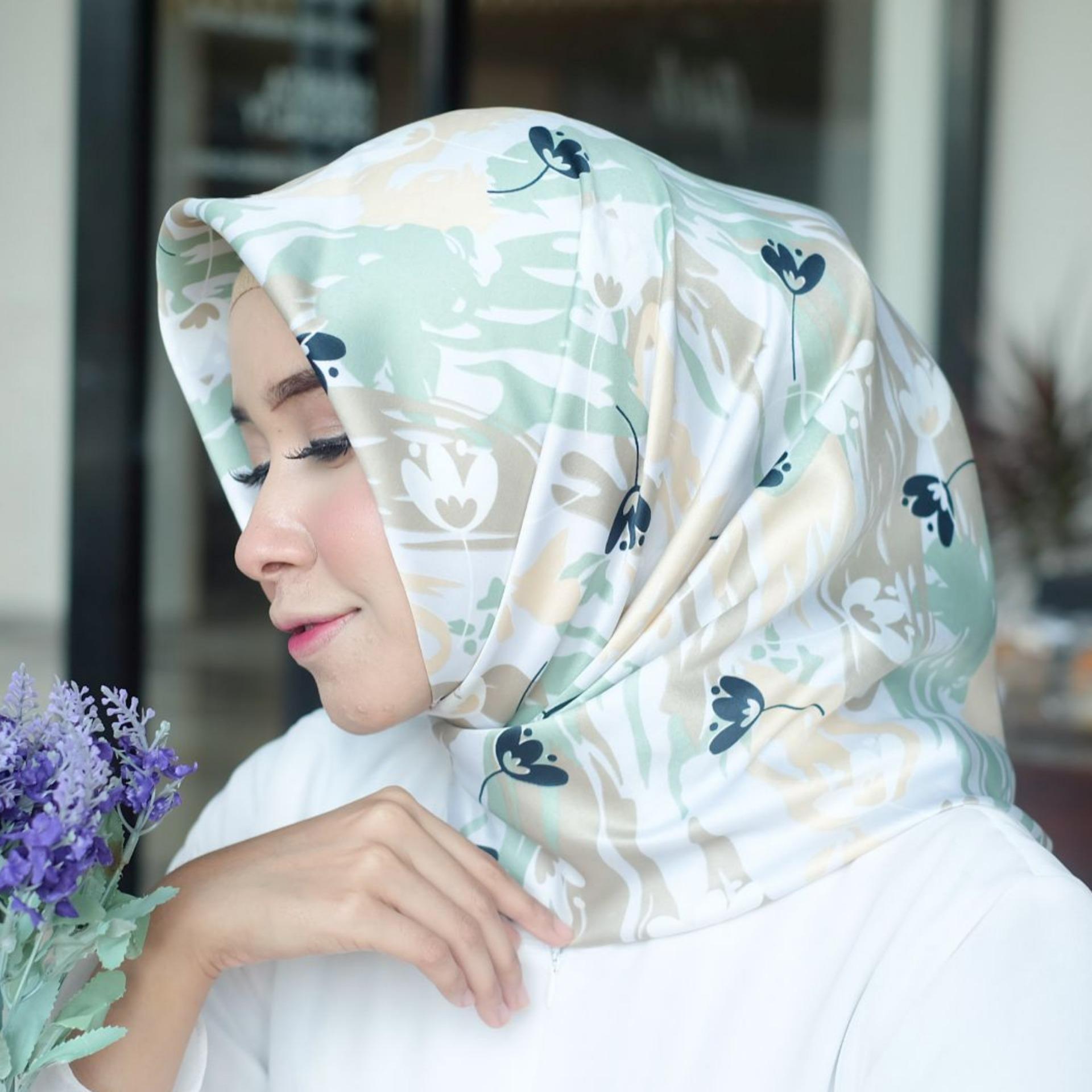 Nimas Hijab - Velvet Silk - Zalora / Jilbab - Kerudung Segi Empat