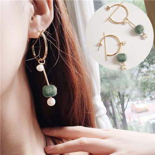Anting  South n Pompom Pearl Round Earrings REA090
