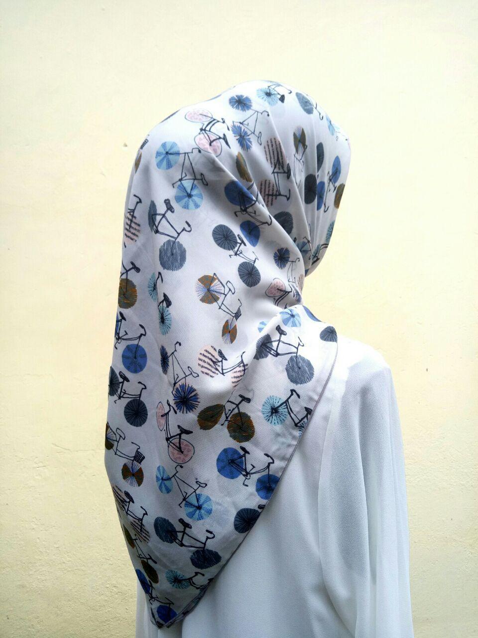 Elena Cycle SQ Jilbab Motif Segi Empat Kerudung Segi Tiga Premium Untuk Sehari hari Kantor maupun Pesta by Nggemesin Hijab