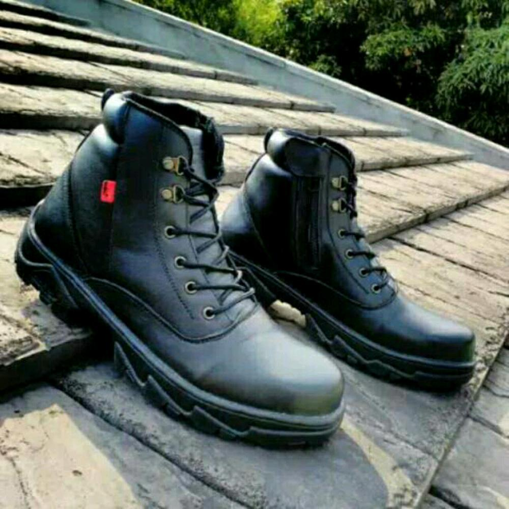 Promo Sepatu tracking Kickers Boots magnum delta ziper reseleting  hitam full black safety ujung besi touring motor kerja pria tni security satpam Fashion