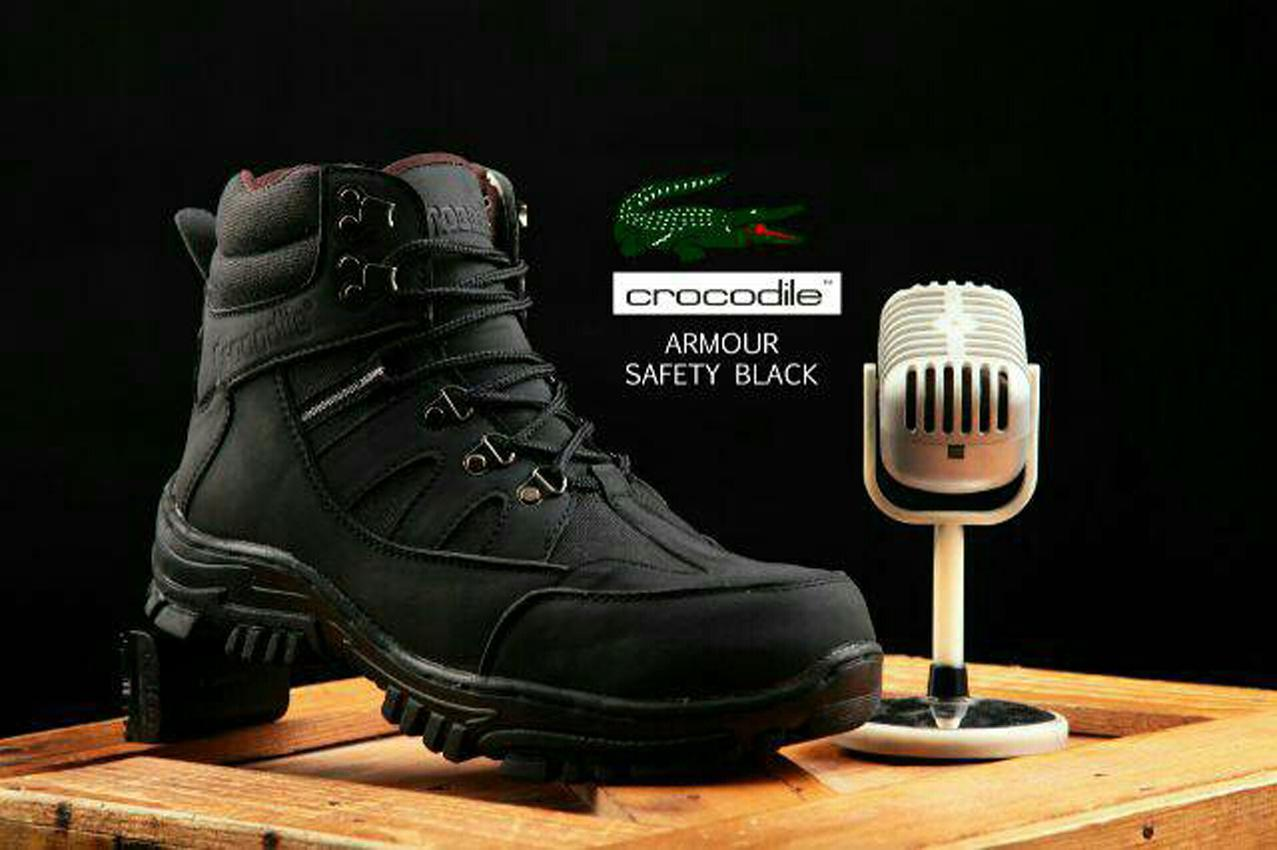 Sepatu Safety Boots Pria Hikking Tracking Gunung Crocodile Armor