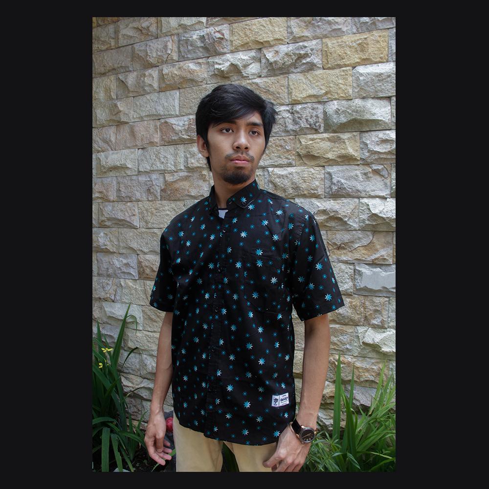Masahiro Cloth Baju Kemeja Pria Casual Lengan Pendek Short Sleeve Keren Slim Fit Bahan Cotton Motif FROZEN - Hitam