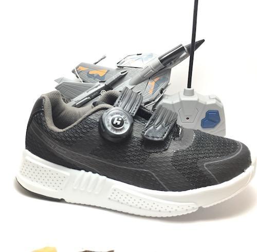 Sepatu sekolah homyped berhadiah Mobil Remor Jet Transformer dan Kaos Kaki