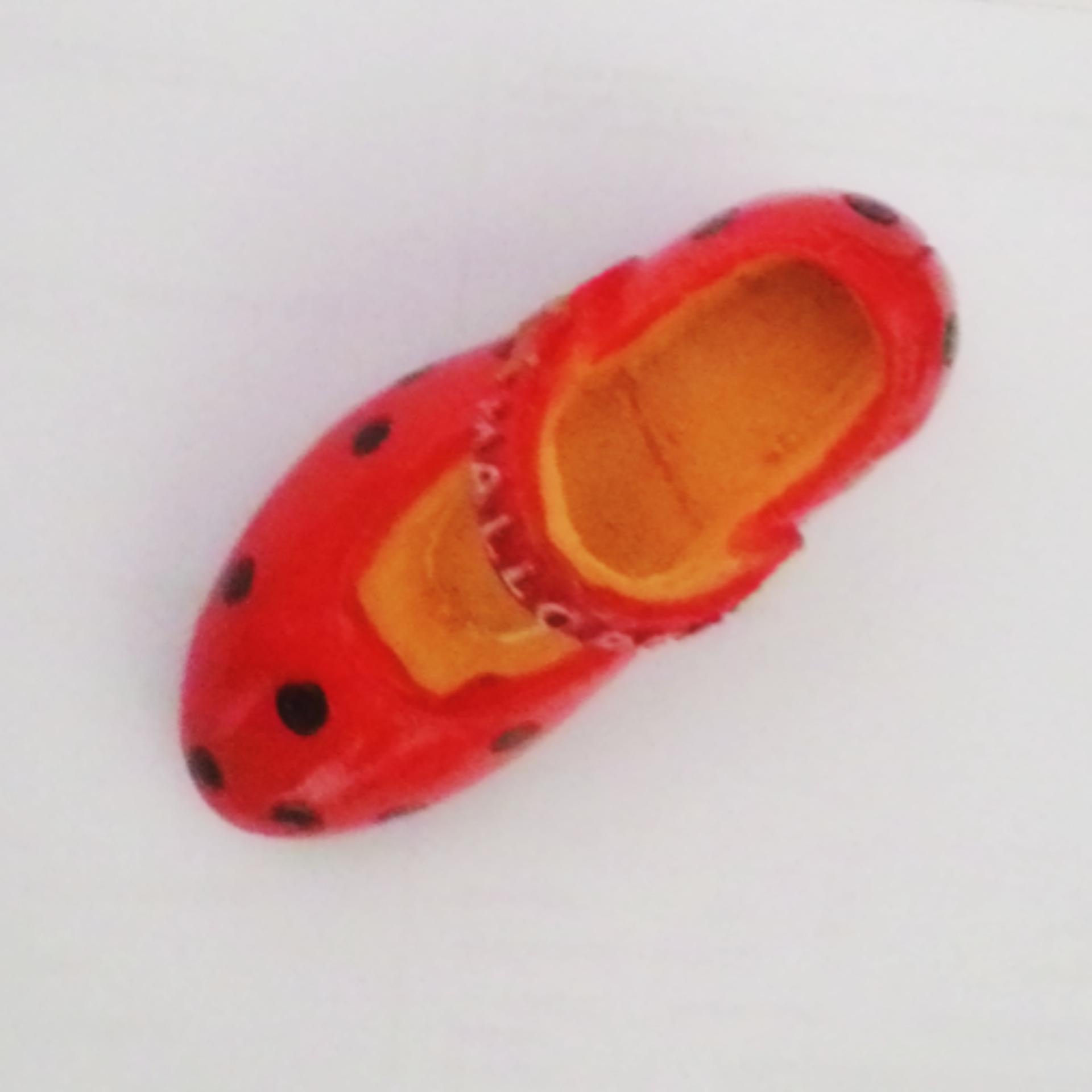 ychateau Magnet Kulkas Mallorca Sepatu - Merah .