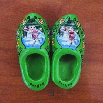 ychateau Magnet Kulkas Sepatu Belanda - Hijau