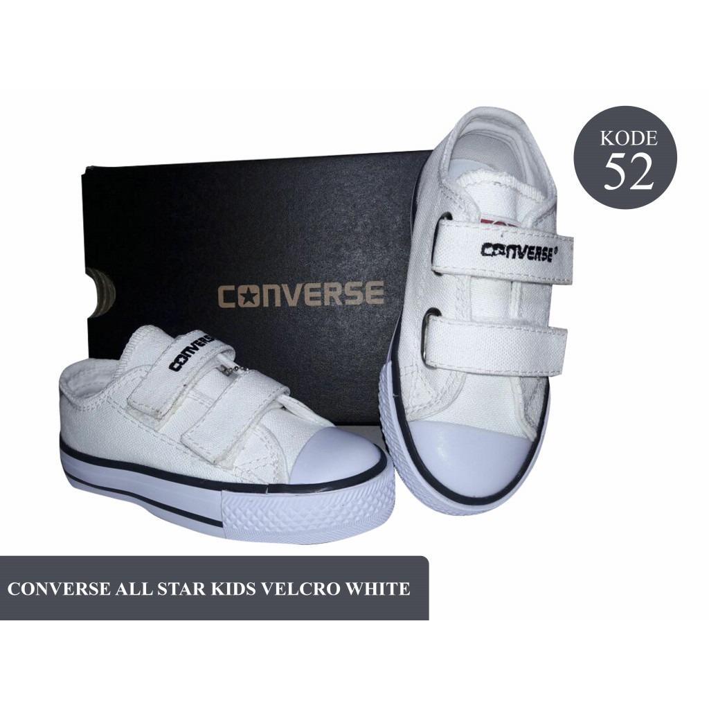 Review Sepatu Anak Murah Sneaker Model Velcro Warna Hitam Putih
