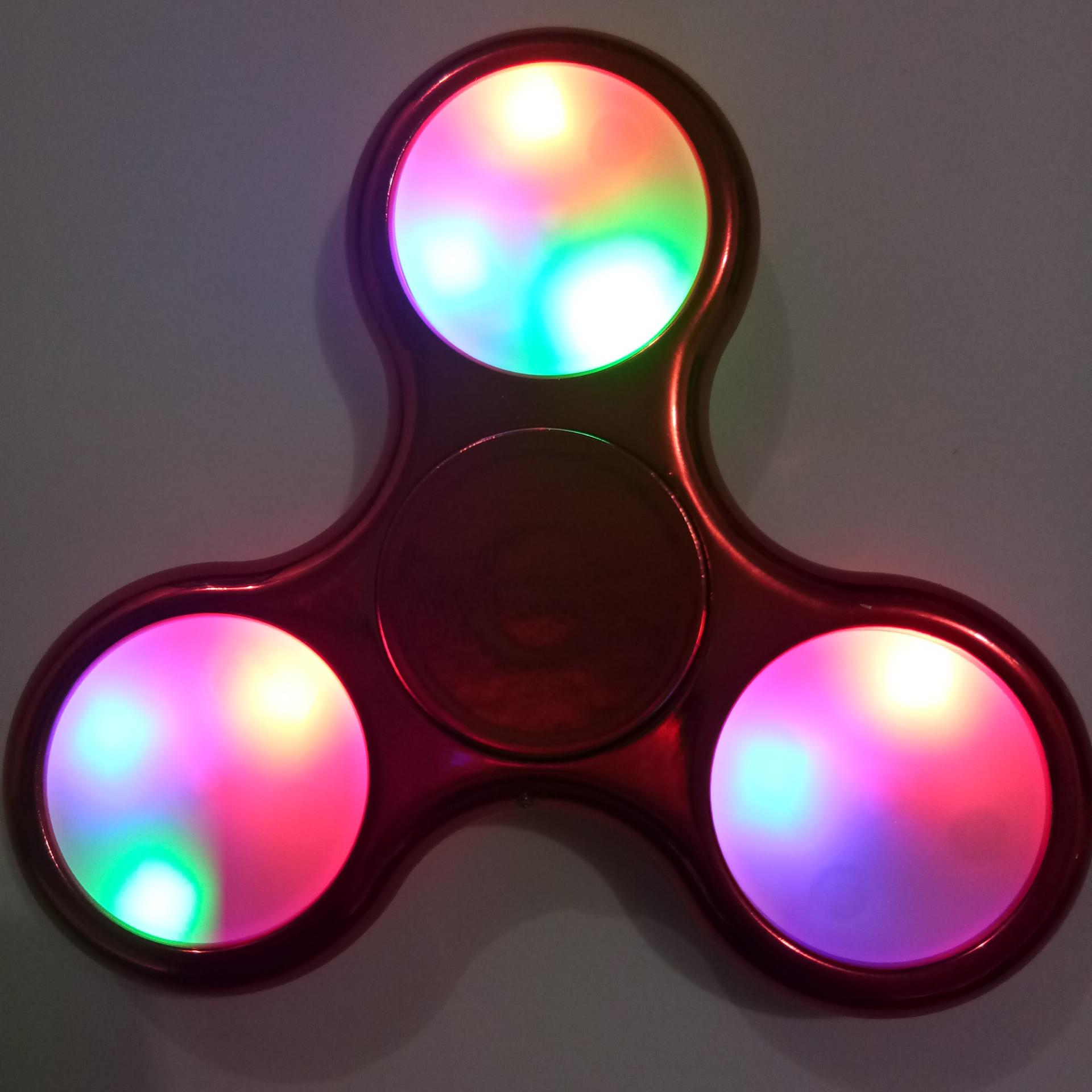 AIUEO - Fidget Spinner LED New Exotic Hand Toys Mainan Tri-Spinner EDC Focus Games ...