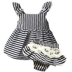 Baju anak bayi baru lahir .