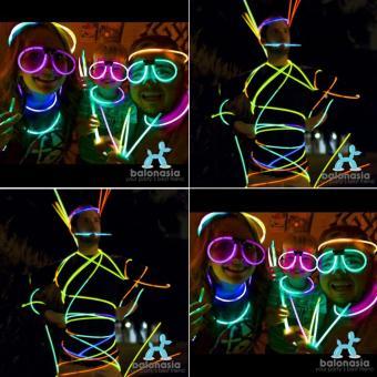 Jual Glow Stick Warna Warni Gelang Lampu (1 Tabung Isi 100 Pcs) dengan Harga Rp 44.500 dari Toko Online Balonasia, Jakarta Timur.