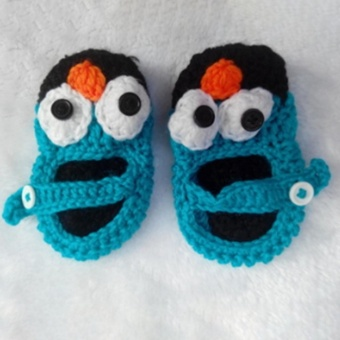 Hanyu 1 Pair Baby Infant Toddler Shoes Handmade Wool KnittedCrochet Newborn Bootee for 0-12 Months Baby 12 Yard (Blue+Black) -intl