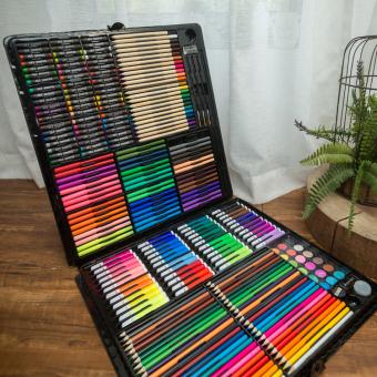 Set Dipasang Lukisan Pensil Berwarna Krayon Kuas Gambar
