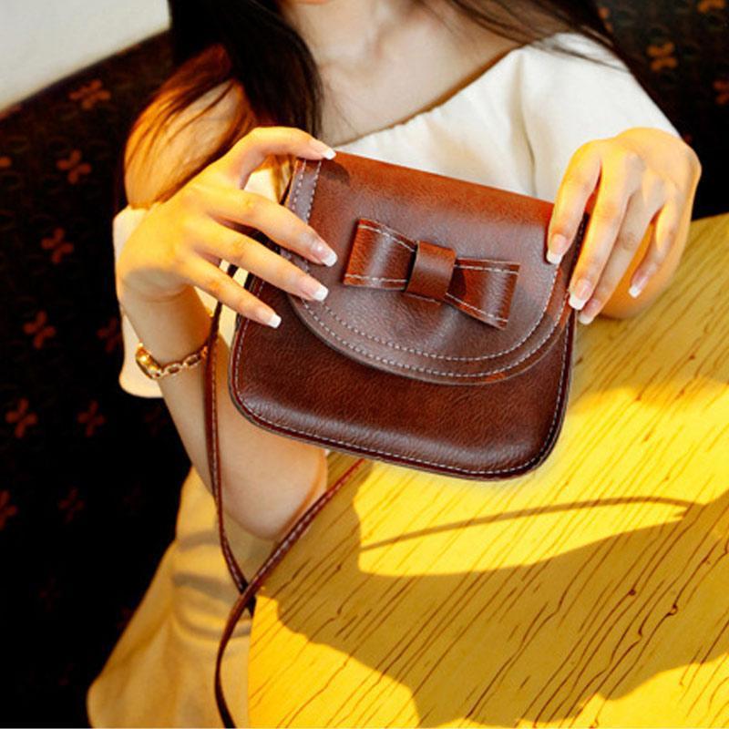 Tas Tangan Kulit Wanita tas bahu bag kopling mati Batak utusan krem- Internasional. Source · Amart Mini busur tas wanita Fashion tas kopling Mobile ...