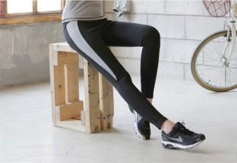 Baju Olahraga Wanita Ketat Santai Versi Korea (Celana abu-abu B32)