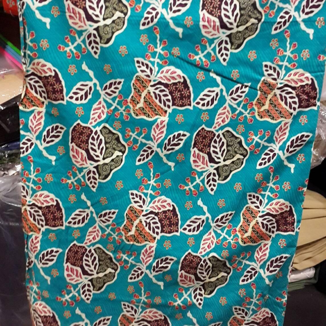Uc Kebaya Kutu Baru Modern Batik Pasangan Gilang 3in1 Batik Couple ... -  Harga 60cf726d5c