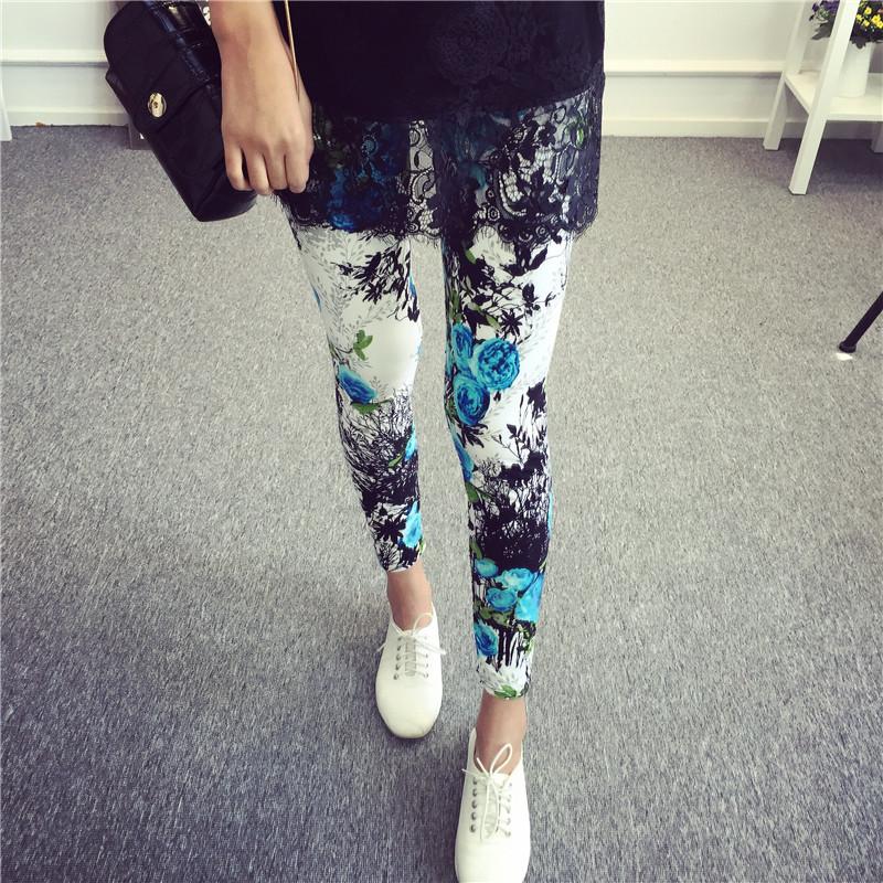 Celana Capri Wanita Motif Cetak Kotak-Kotak Coretan Kartun Warna Warni Trendi (Lan bunga