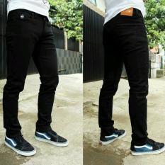 Celana jeans skiny fit pria - Hitam - Black