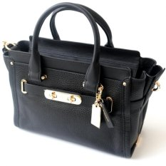 Coach Swagger 27 in Pebble Leather Black