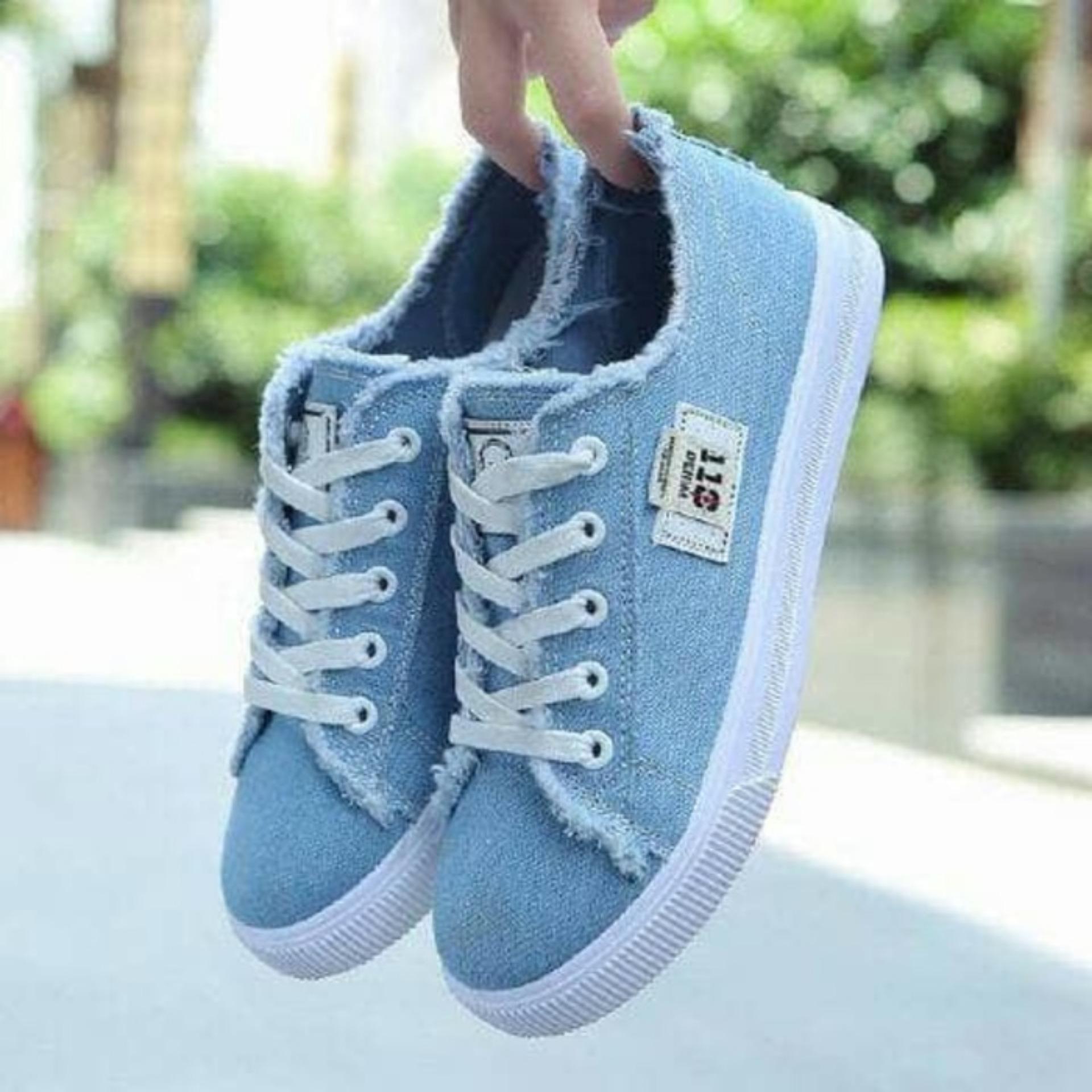 Dhala Sepatu Sneaker Jeans The Vans - Daftar Harga Terbaru dan ... 6b91c422ae