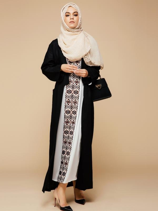 Ethnic Pattern V-neck Maxi Long Dress Muslim Kaftan Wear (White .