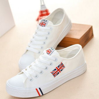Harga Outlet The new Korean version of the word flag canvas shoes White - intl