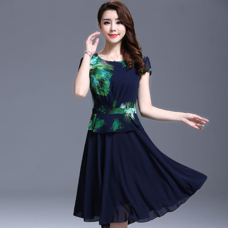 Anak besar perempuan baru Gadis sifon gaun (Hitam). Source · Flash Sale Jahitan baru style cetak pakaian wanita gaun sifon gaun (Hijau)