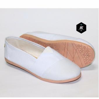 JRC-sepatu flatshoes slip on putih sejenis toms/wakai