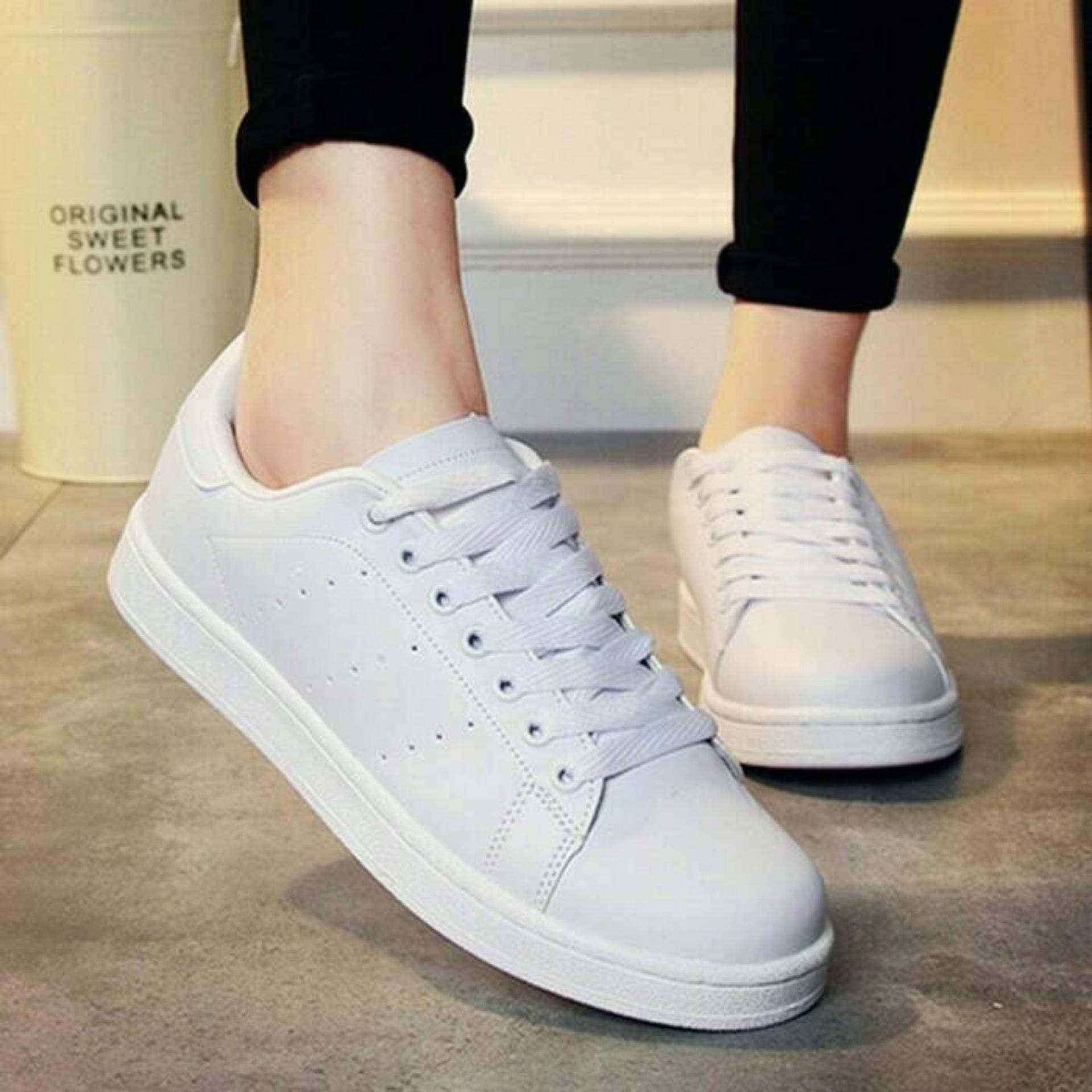 Flash Sale KAISAR-Sepatu Bolong Samping